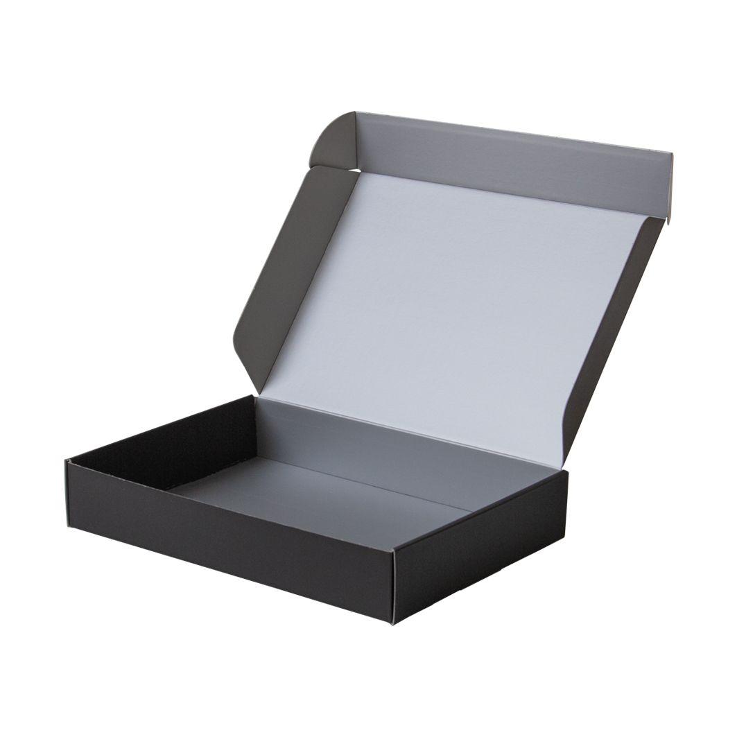 Pudełko fasonowe na prezent czarno-srebrne